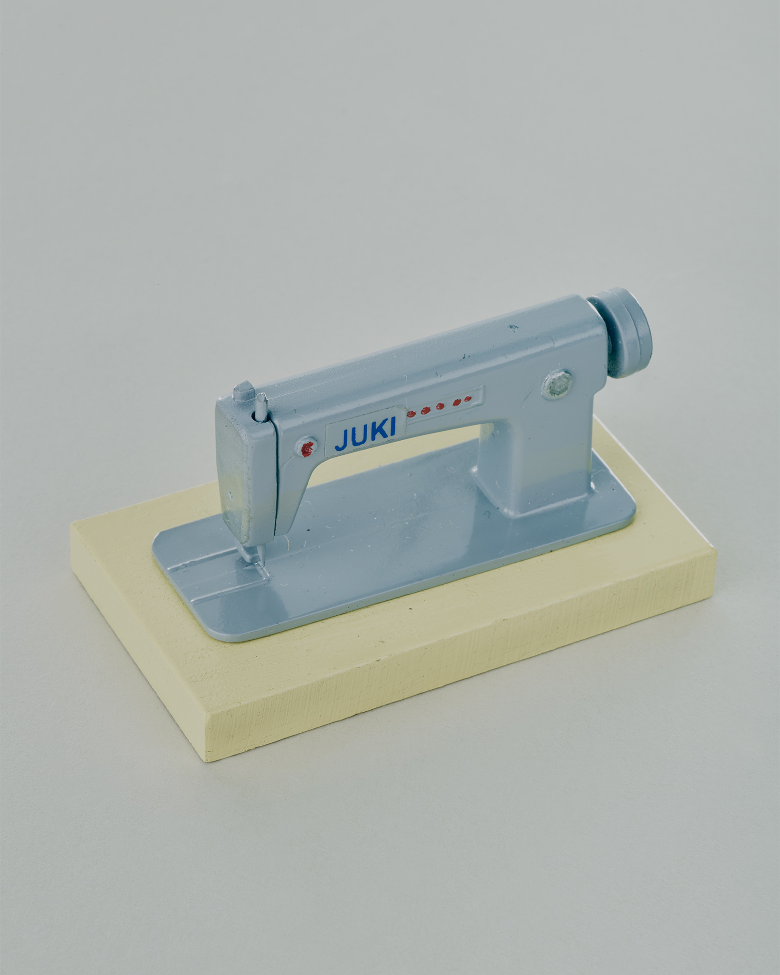 sewing machine toy